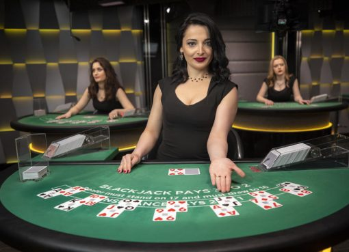 What Everybody Is Stating About Gambling And What You Ought