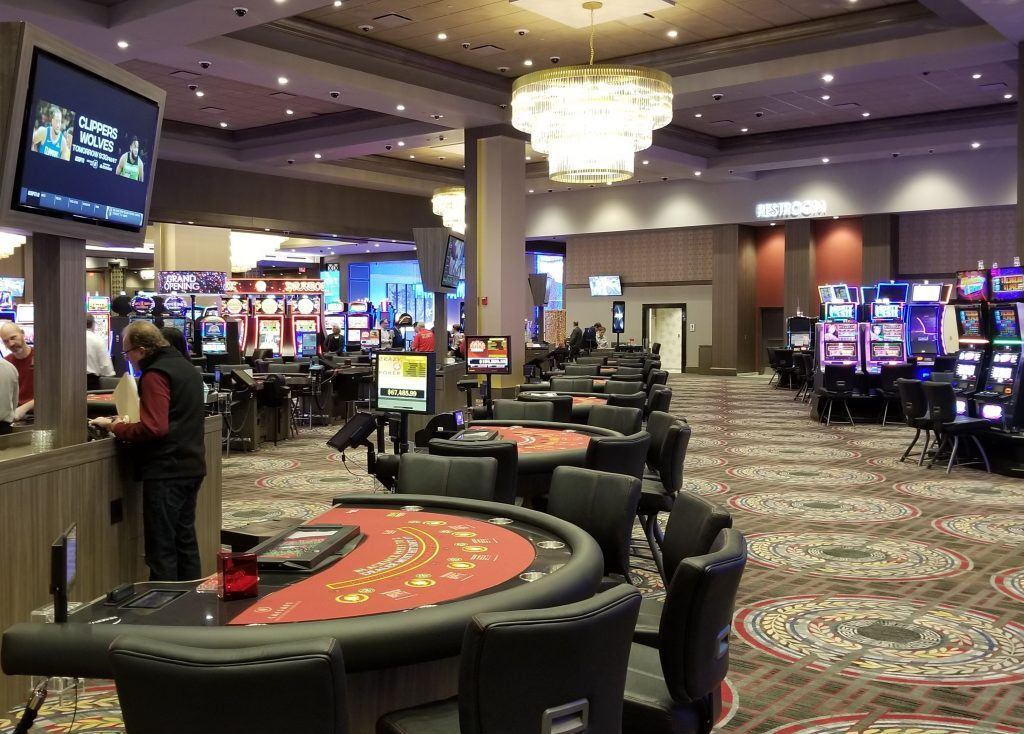 What makes online slot games more popular?